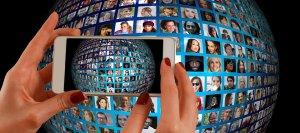 Schimbare importantă anunţată de Facebook: Ce se va întâmpla cu modul în care conţinutul este afişat în News Feed