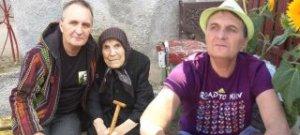 """POVESTE DRAMATICA! Mircea Rusu, autorul cantecului """"Omul bun si pomul copt!"""" a ajuns sarac si disperat! A fost primar intr-un sat, iar acum traieste cu o suma infima pe luna!"""