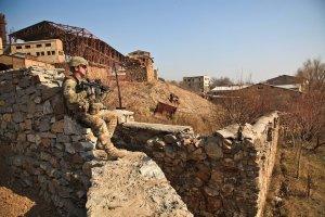 UPDATE: Atacul armat din Kabul a luat sfârșit. Un student a fost ucis și 14 răniți