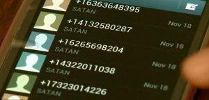 """O femeie a intrat în panică după ce a primit un telefon şi 48 de SMS-uri de la """"Satana"""". """"Credeam că visez"""""""