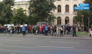 Protest pentru conversia creditelor în franci elvețieni