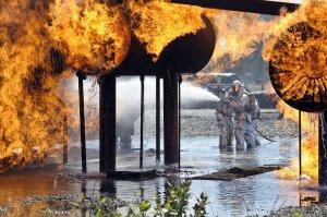 O casă în care se fabricau droguri a explodat, iar un pompier şi-a pierdut viaţa