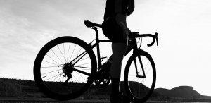 Un tânăr ciclist din Sibiu, găsit mort în casă