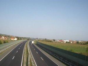 Accident pe A2: Un camion s-a răsturnat la kilometrul 25