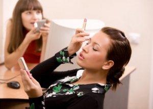 7 obiceiuri de frumusete care iti pot ruina cariera