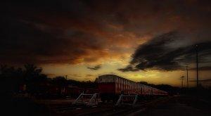 Accident feroviar! 55 de persoane şi-au pierdut viaţa, iar alte aproape 600 au fost rănite în urma deraierii unui tren de călători
