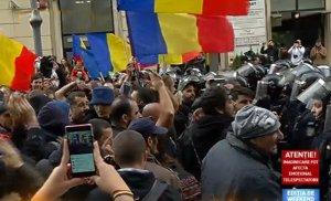 """Incidente în fața Guvernului, la mitingul """"Luptă pentru Basarabia"""""""