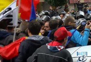 Protestatarii unionişti au vorbit cu Traian Băsescu şi Daniel Constantin. Acum se îndreaptă către sediul PSD. Ce le-au promis politicienii