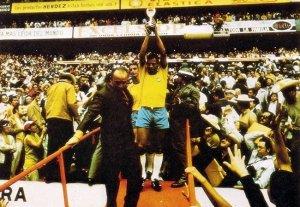 A murit Carlos Alberto, legendă și căpitan al Braziliei la Cupa Mondială din 1970