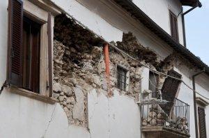 Panica revine pe străzile din Italia, după ce un nou cutremur a zguduit centrul țării
