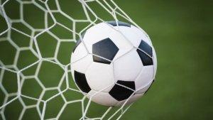 Scandal uriaș la meciul dintre Craiova și CFR. Un fotbalist, plin de sânge