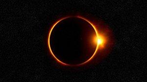 Un fenomen astrologic rar are loc duminică. Cum sunt afectate zodiile de Eclipsa de Soare din constelația Pești