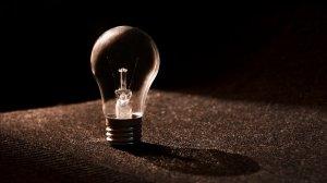"""Cu cât a scăzut consumul de energie electrică în """"Ora Pământului"""" - la nivel național"""