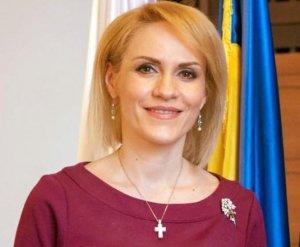 Ce face zilnic primarul Capitalei, Gabriela Firea