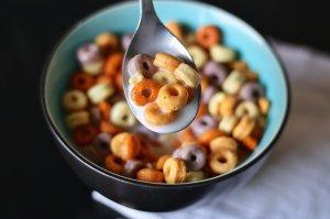 Un bărbat a mâncat timp de trei ani 13 boluri cu cereale și lapte în fiecare zi! Cum arată acum