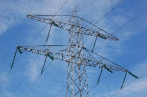 Accident de muncă sau neatenție? Un angajat al Electrica a murit după ce s-a electrocutat pe un stâlp de înaltă tensiune