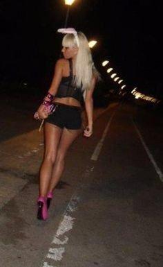 Mariuta e prostituata in Petrosani! Femeia cara mereu dupa ea o PLASA. Abia cand ajung sa-si faca treaba, barbatii realizeaza ce are in punga