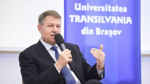 Iohannis, despre lipsa autostrăzii spre Braşov: Recomand o vizită în centrul Capitalei să vedeţi lipsă de mobilitate