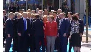 Emmanuel Macron a părut să îl ignore pe Trump la summitul NATO de la Bruxelles - VIDEO