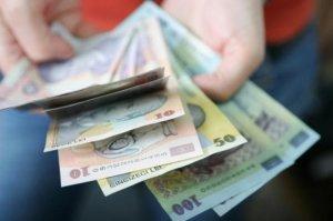 S-a oferit să ajute o bătrână la curățenie, dar i-a furat toți banii. Ce plan a pus la cale hoața