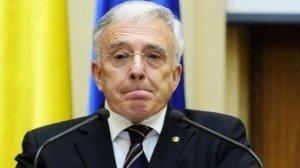 Salariul lui Mugur Isărescu a scăzut. Cât câștigă acum guvernatorul BNR