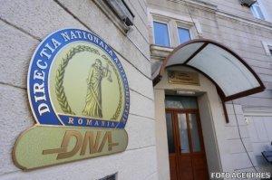 Prim-procurorul Parchetului Botoşani, reținut de DNA. Mircea Badea: Mâine e cu Țuluș și cu Iorga