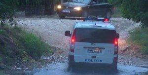 Lupte cu focuri de armă între jandarmi şi hoţii de lemne, în Argeş - VIDEO