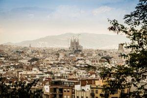 POSIBIL ATAC la Barcelona. O dubă a INTRAT DIN PLIN în mulțime. Multe VICTIME