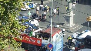 Atac terorist la Barcelona! O furgonetă a intrat în mulțime. Noul bilanț: 13 morți și 100 de răniți. Doi suspecţi au fost arestaţi LIVE VIDEO