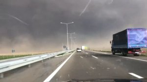 Premierul Tudose: Persoanele afectate de furtuna de duminică vor primi despăgubiri de la Guvern