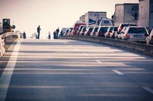 Trafic oprit pe A2 din cauza unui accident
