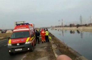 Bărbat în stare de inconştienţă, scos din râul Dâmboviţa de trecători