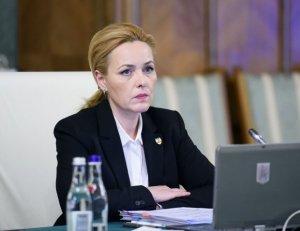 """Acuzații grave pentru ministrul Carmen Dan: """"Abuz în serviciu, trafic de influenţă şi luare de mită"""""""