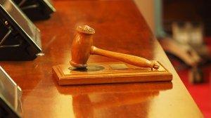 Sfârșit tragic pentru un avocat! A murit în timp ce prezenta argumentele finale în cazul clientului său acuzat de crimă