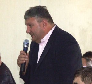 Un primar din România a ajuns de râsul localnicilor! A făcut o petiție plină de greșeli gramaticale