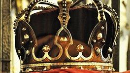 Coroana de Oțel originală nu a putut fi folosită la ceremonia de rămas bun a Regelui Mihai. Explicația directorului Muzeului de Istorie