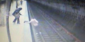 """Declarații cutremurătoare ale mamei criminalei de la metrou. Ce s-a întâmplat în urmă cu o lună: """"Nu a vrut nimeni să o ia, ni s-a spus că nu e un pericol"""""""