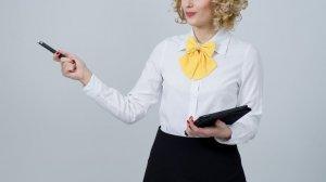 Un elev cu tupeu, ofertă halucinantă pentru profesoara de limba română: Dacă îmi dați nota 5, vă aduc...