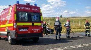 Accident grav în Constanta! O maşină condusă de un şofer beat a luat foc după ce s-a răsturnat. Două persoane rănite