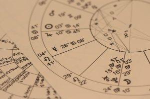 Horoscop săptămâna 22-28 iunie 2018. Gemenii caută să se izoleze, Leii cheltuiesc fără măsură