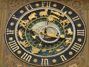 Horoscopul săptămânii 25 iunie - 1 iulie, cu Camelia Pătrășcanu. Leii n-au voie să fie violenți