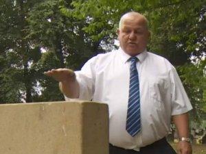 A mers la mormântul fiicei lui timp de 30 de ani după care într-o zi a aflat ceva de necrezut despre Victoria