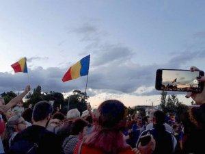 Jandarmeria, lămuriri cu privire la prezența procurorului militar la protestele din Piața Victoriei: A fost prezent. Asta nu înseamnă că avea atribuții decizionale