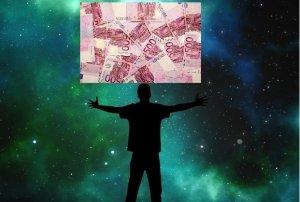 Horoscop 22 august 2018. Cad bani din cer pentru Berbeci și Raci. Cine se alege cu dragostea