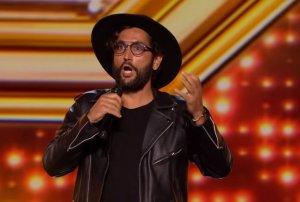 """Moment emoționant peste granițe. Cezar Ouatu a ridicat în picioare juriul X Factor din Marea Britanie: """"Ești un campion"""" - VIDEO"""