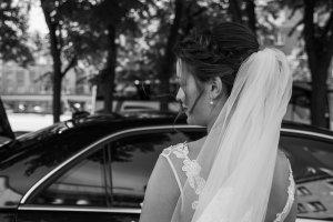 """Un taximetrist din Giurgiu a luat în mașină o mireasă. La final, tânăra i-a spus că nu are bani chiar deloc și i-a oferit verigheta sa. Mai târziu, bărbatul i-a povestit unui prieten ce i s-a întâmplat și a avut un șoc. """"Așa ceva nu vrei să auzi niciodată"""