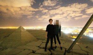 Scene scandaloase în vârful Marii Piramide. Un cuplu a făcut amor și a postat totul pe internet - FOTO și VIDEO