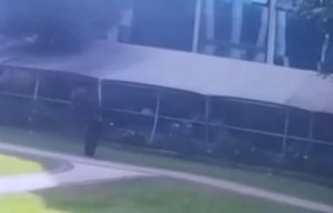 Cum se aruncă în aer un terorist pe terasa unui restaurant din Kenya - VIDEO șocant