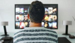 Ce a pățit Iulian, din Vaslui, după ce a uitat să achite ratele unui televizor cumpărat din Germania. Zilele trecute, i-a venit un plic acasă