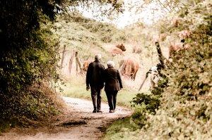 S-au iubit o viață întreagă și erau fericiți. Dar într-o zi, au primit o veste cruntă. Toți au izbucnit în lacrimi când au văzut ce decizie au luat bătrânii